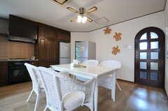 ダイニングテーブルの様子。(2013-06-24,共用部,LIVINGROOM,2F)
