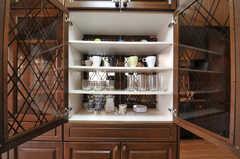 共用の食器棚の様子。(2013-06-24,共用部,KITCHEN,2F)