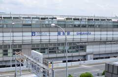 屋上からは最寄り駅が見えます。(2013-06-24,共用部,OTHER,5F)