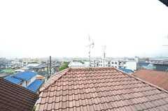 窓から見た景色。高台なので、見晴らしが良いです。(202号室)(2015-07-07,専有部,ROOM,2F)