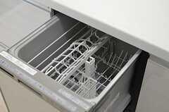 食洗機の様子。(2012-12-19,共用部,KITCHEN,7F)