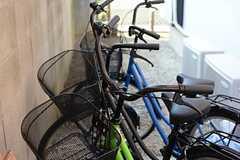 共用の自転車も用意されています。(2015-03-30,共用部,GARAGE,1F)