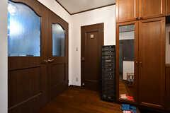 玄関とリビングの間のドアはトイレです。(2017-10-12,共用部,OTHER,1F)