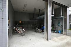 自転車置き場の様子。(2017-10-12,共用部,GARAGE,1F)