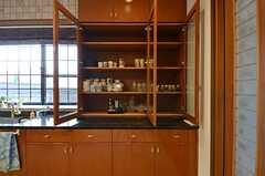 食器棚の様子。(2014-10-16,共用部,KITCHEN,1F)