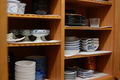 食器棚の様子。(2015-07-16,共用部,KITCHEN,1F)