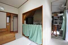 リビングは、ダイニング&キッチンとつながっています。(2013-12-09,共用部,LIVINGROOM,1F)