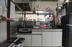キッチンの様子。(2013-12-09,共用部,KITCHEN,1F)