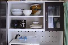 食器棚の様子。(2013-12-09,共用部,KITCHEN,1F)