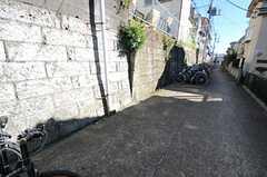 駐輪場の様子。(2012-08-24,共用部,GARAGE,1F)