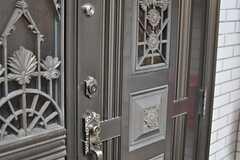 玄関の鍵の様子。(2013-03-20,周辺環境,ENTRANCE,1F)