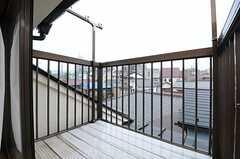 窓の外にはベランダがあります。(302号室)(2014-03-20,専有部,ROOM,3F)