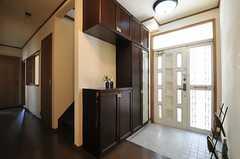 内部から見た玄関周りの様子。(2013-04-22,周辺環境,ENTRANCE,2F)