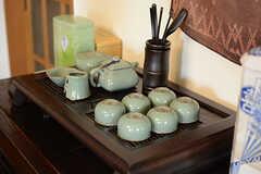 中国のお土産でもらったという茶器セット。本格的です。(2017-07-20,共用部,LIVINGROOM,1F)