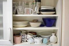 食器棚の様子。(2017-07-20,共用部,KITCHEN,1F)