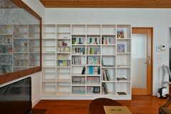 本棚の様子。本は自由に読むことができます。(2020-03-17,共用部,LIVINGROOM,2F)