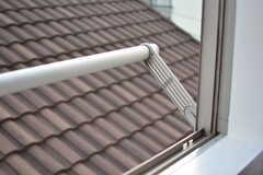 窓の外には洗濯物が干せます。(304号室)(2020-03-17,専有部,ROOM,3F)