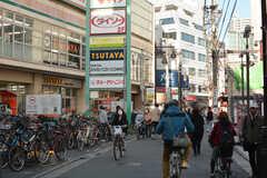 駅からシェアハウスへ向かう道の途中にある商店街。(2020-03-17,共用部,ENVIRONMENT,1F)