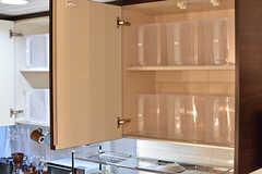 シンクの上は専有部ごとに容器で仕分けられています。1人4個ずつ用意されています。(2017-01-11,共用部,KITCHEN,1F)
