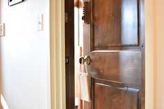 専有部のドアハンドル。ドアハンドルにはホワイトボードが設置されています。(101号室)(2017-01-11,専有部,ROOM,1F)