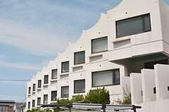 外から建物を見ると、とてもユニーク。(2010-06-24,共用部,OTHER,1F)