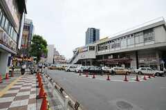 京浜東北線蕨駅前の様子。(2010-06-24,共用部,ENVIRONMENT,1F)