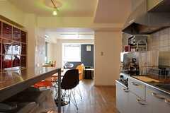 キッチンから見たラウンジの様子。(2012-05-15,共用部,LIVINGROOM,3F)