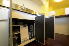 キッチン下の収納の様子。(2013-03-26,共用部,LIVINGROOM,1F)