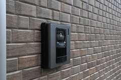 カメラ付きインターホンの様子。(2011-02-11,周辺環境,ENTRANCE,1F)