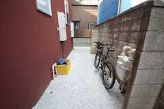 自転車置き場の様子。(2015-04-28,共用部,GARAGE,1F)
