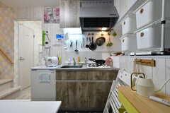 キッチンの様子。(2019-12-18,共用部,KITCHEN,1F)