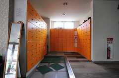 靴箱の様子。部屋ごとに割り当てられています。(2013-04-18,周辺環境,ENTRANCE,1F)