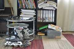 本棚は雑誌などが置かれています。(2013-04-18,共用部,OTHER,1F)