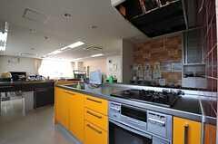 オーブンも付いています。(2013-04-18,共用部,KITCHEN,1F)