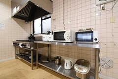 キッチン家電の様子。(2016-10-06,共用部,KITCHEN,1F)