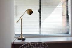 デスクランプが素敵です。(204号室)(2017-05-29,専有部,ROOM,2F)