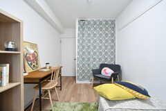 専有部の様子3。収納に布を取り付けると雰囲気が変わります。モデルルームです。(214号室)(2017-12-25,専有部,ROOM,2F)