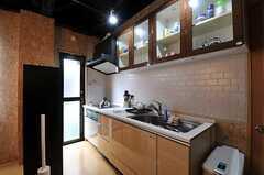 シェアハウスのキッチンの様子。(2011-03-22,共用部,KITCHEN,1F)