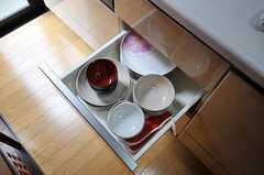 食器が収納された引出しの様子。(2011-03-22,共用部,OTHER,1F)