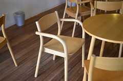 木製のチェア。(2012-01-07,共用部,LIVINGROOM,1F)