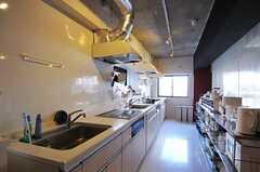 キッチンの様子2。(2012-01-07,共用部,KITCHEN,1F)