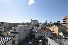 屋上の様子3。浦和駅前のパルコが見えます。(2012-01-07,共用部,OTHER,4F)