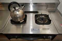 ガスコンロの様子。(2010-06-11,共用部,KITCHEN,2F)