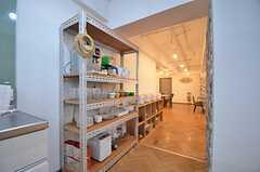 食器棚の様子。(2015-10-13,共用部,KITCHEN,1F)