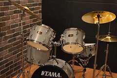 ドラムが置いてあります。(2015-10-13,共用部,OTHER,4F)