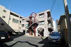 マンションの外観。1階がシェアハウスです。(2014-03-11,共用部,OUTLOOK,1F)