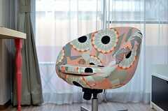 個性的なプリントの椅子。(103号室)(2014-03-11,専有部,ROOM,1F)
