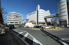 東武伊勢崎線・草加駅前の様子。(2014-03-11,共用部,ENVIRONMENT,1F)