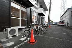 自転車置き場の様子。(2020-10-07,共用部,GARAGE,1F)