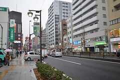シェアハウスから各線・地下鉄成増駅へ向かう道の様子。(2015-01-21,共用部,ENVIRONMENT,1F)